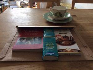 Päckchen für Vater - Corona inspiriert Kultur per Post
